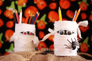 halloween-mummy-pencil-holder-2