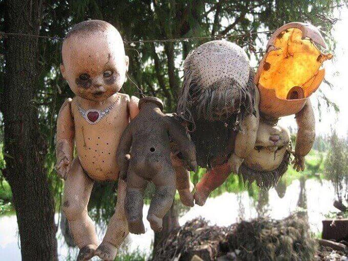 island-of-dolls-13[2]
