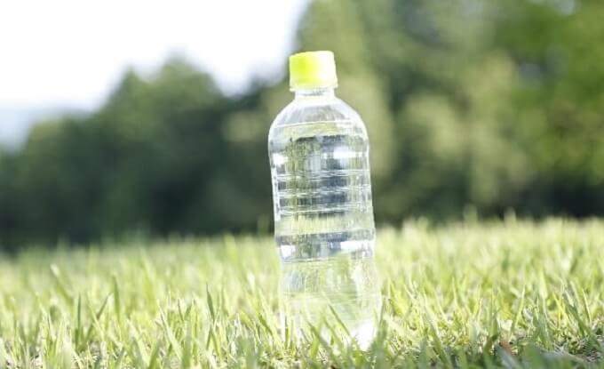 ペットボトル (1)